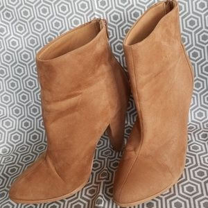 Forever 21 Ankle Boots Size 8 Light Tan faux Suede